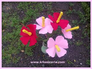 Ide Kreatif Membuat Bunga Cantik Bunga Sepatu dari Flanel