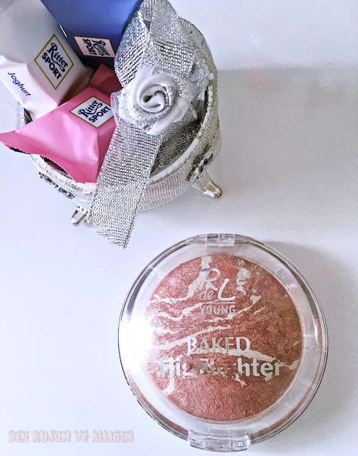 rival-de-young-baked-highlighter-01-moon-dust