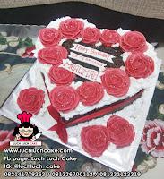 Kue Tart Love Blackforest Bunga Mawar Merah Cantik