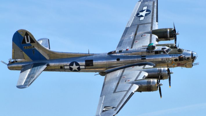 Boeing B-17 Fly... B 17 Flying Fortress Wallpaper