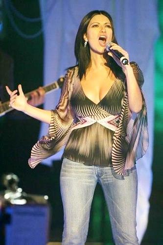 Foto de Laura Pausini en el escenario