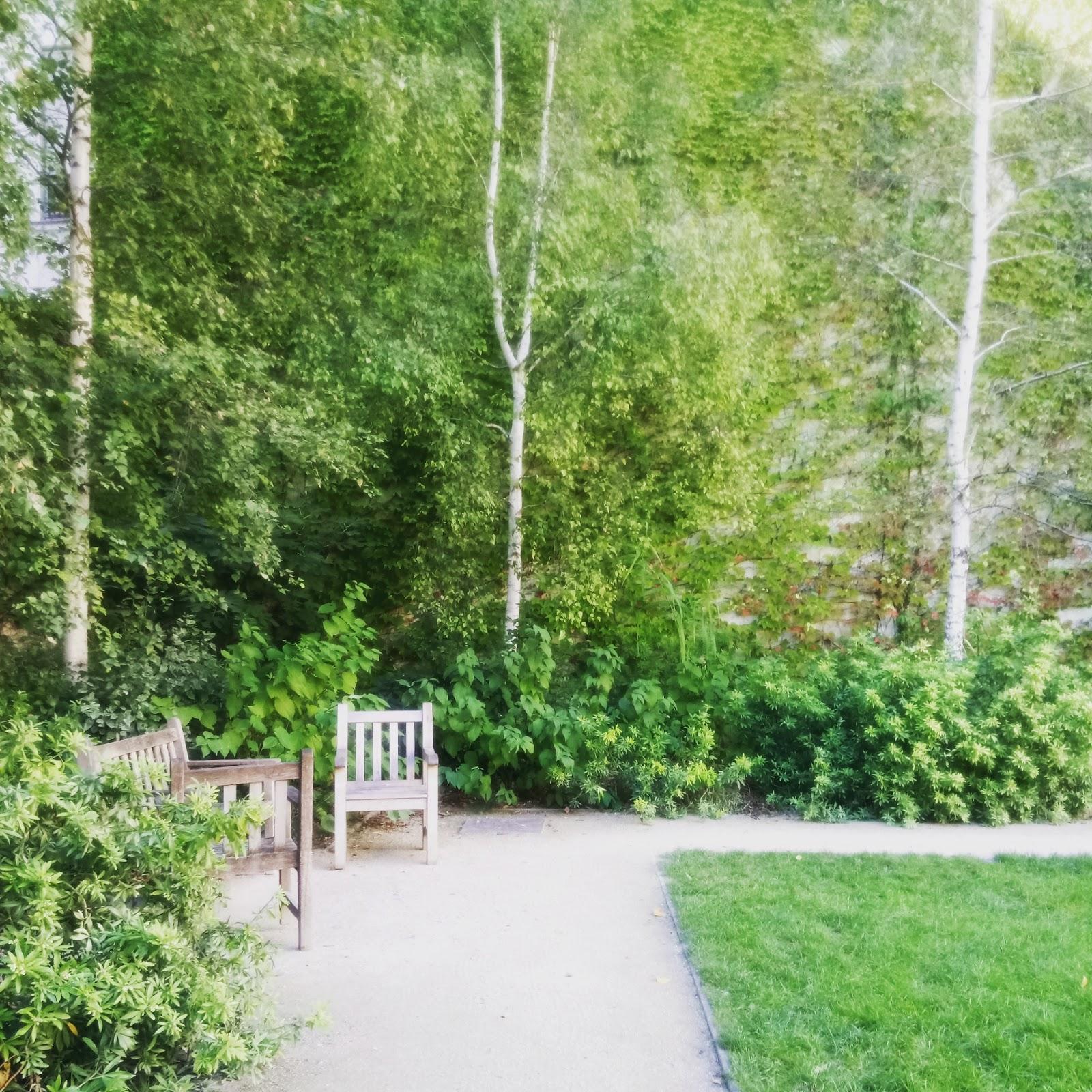 Le jardin des rosiers joseph migneret se cache au coeur du for Jardin 81