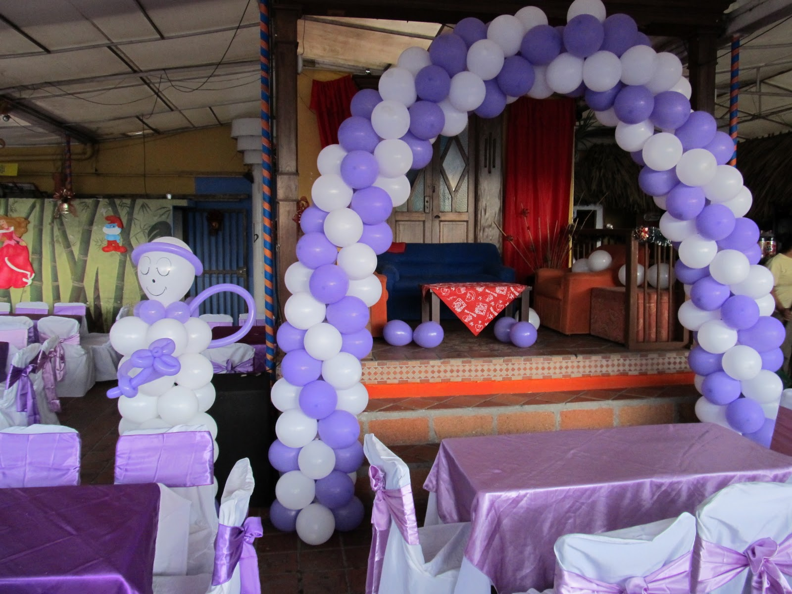 Decoracion con globos primera comunion recreacionistas - Decoracion bodas con globos ...