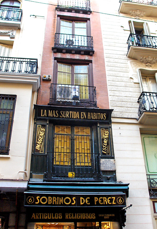 Disfrutando de madrid las casas m s estrechas de la ciudad for Casas estrechas