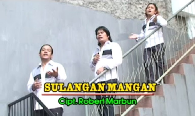 Lirik Lagu Batak Sulangan Mangan - Trio Elexis