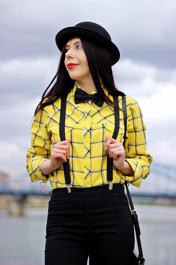 mucha i szelki stylizacja damska Kraków melonik moda z Krakowa