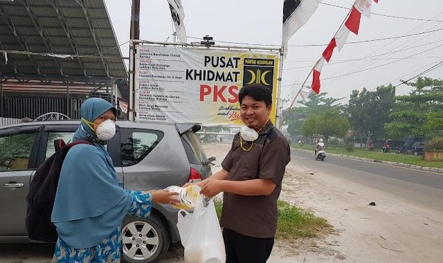 Kunjungan Ibu-Ibu Guru Ke Kantor PKS Kalteng