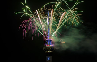 New Zealand celebrates start of 2018 with spectacular | New Year's Eve fireworks display in Aucklan