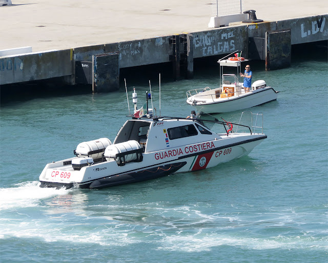 Coast Guard patrol boat CP 609, port of Livorno