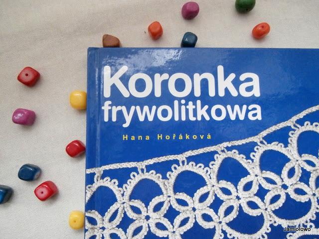 książka na temat frywolitki czółenkowej
