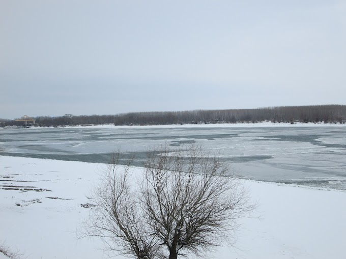 Imagini cu Dunărea îngheţată la Calafat