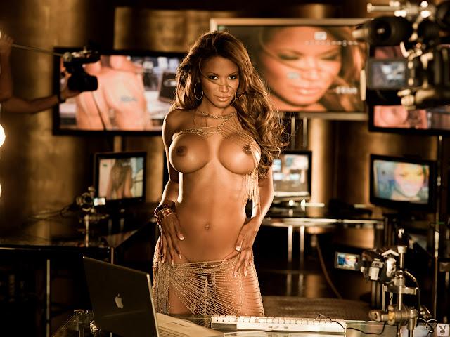 Tracy Bingham boobs