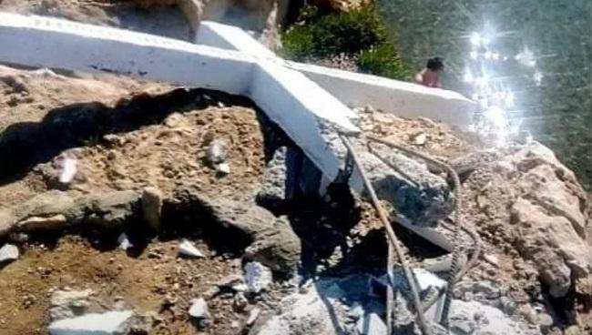 Μυτιλήνη: Γκρέμισαν το Σταυρό που ενοχλούσε τους υποτιθέμενους «πρόσφυγες» !!!