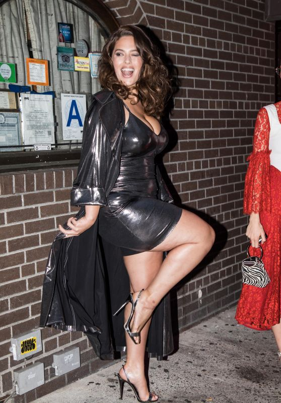 Ashley Graham Showing Off Her Legs