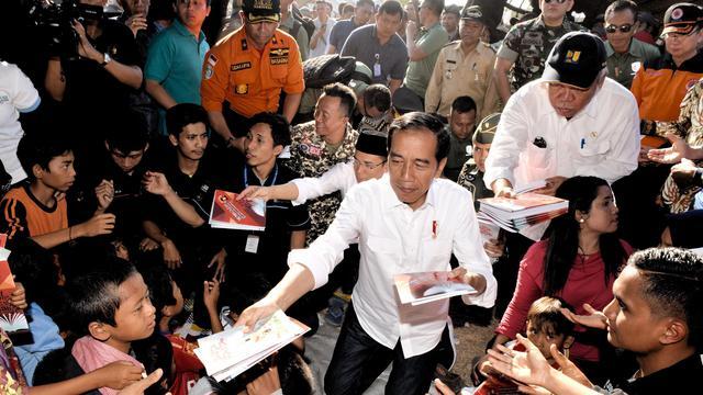 TNI Membongkar Apa yang Dilakukan Jokowi di Lokasi Gempa