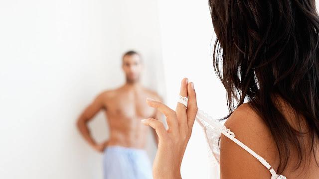 لا تقلقي.. هذه الطرق تساعدك على تلبية رغباتِ زوجك!