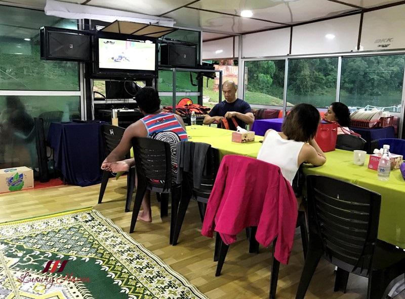 malaysia tourism perak arus belum houseboat rental prices