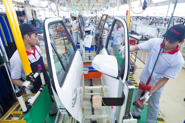 Toyota pabriknya bersih
