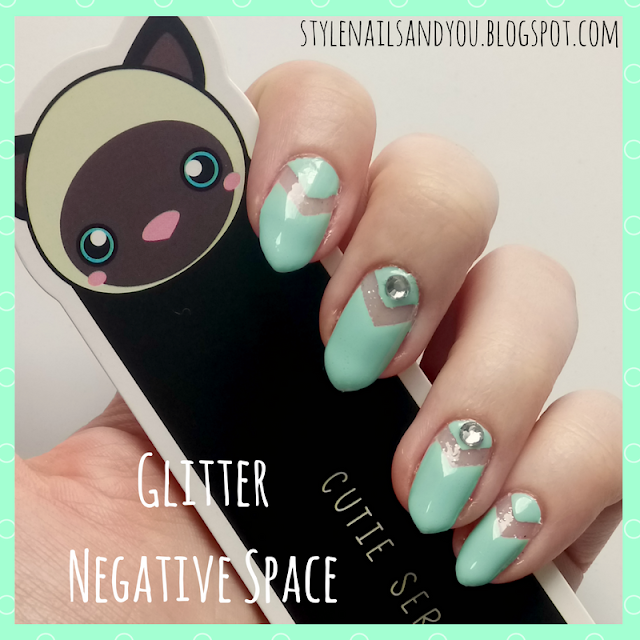 Glitter Negative Space | BeautyBigBang Mixed Nail Rhinestone Wheel