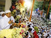 Ribuan Umat Hadiri Subuh Berjamaah dan Peringatan Maulid di Tebet
