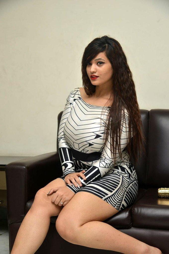 Himani Galm Show Thigh During Idem Deyyam Press Meet