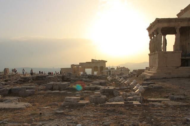 Ateenan upein nähtävyys on Acropolis - Parisuhdematkalla Kreikassa