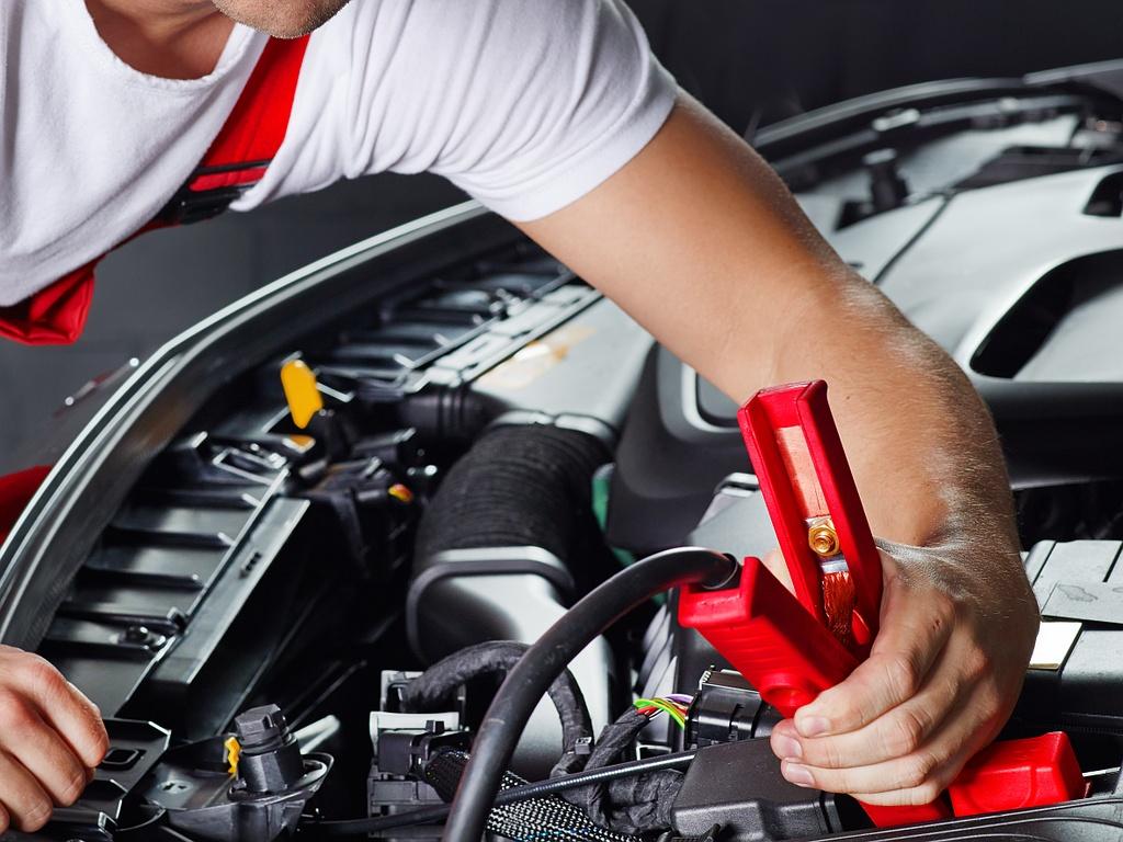 Formation lectricit automobile m canicien tout terrain - Garage electricite automobile ...