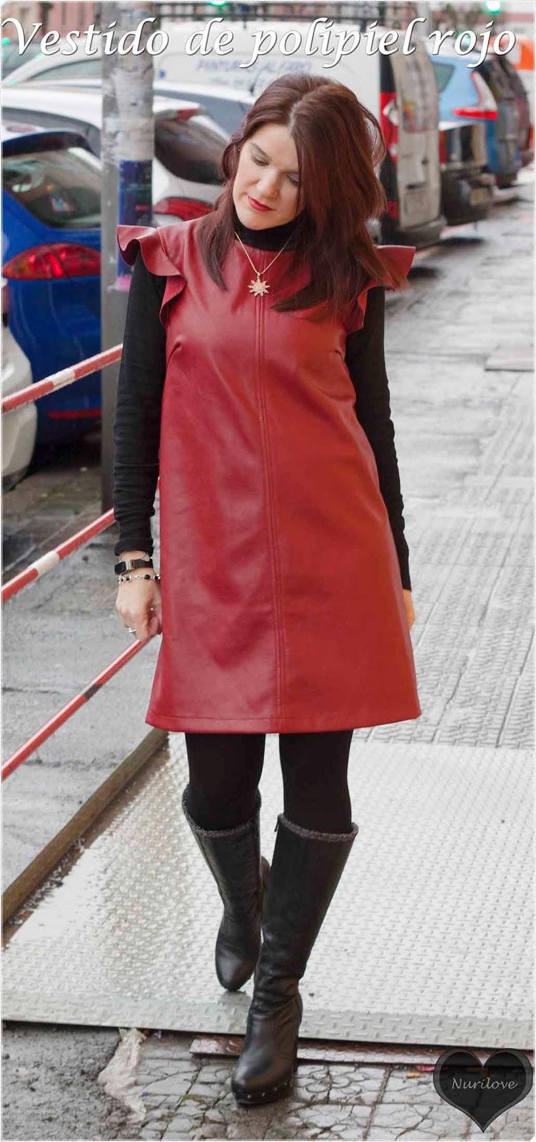 Vestido de polipiel rojo, atemporal y muy combinable