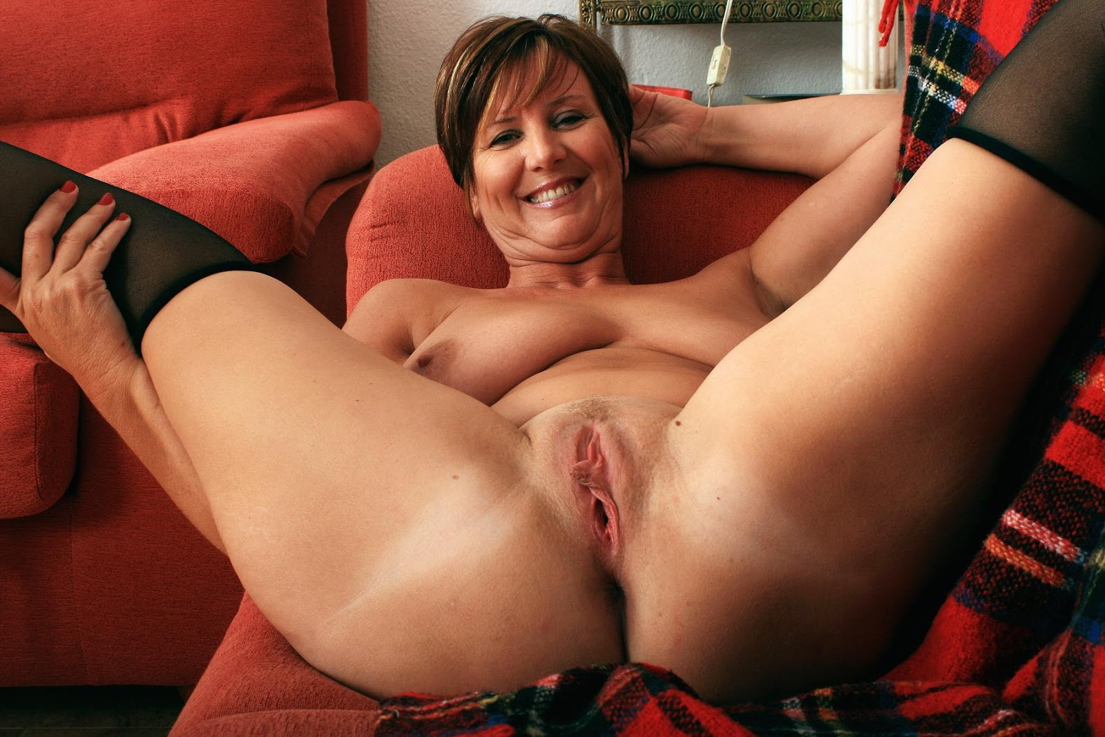 Amateur mature woman with big tits