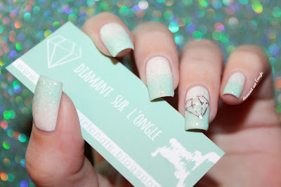 Mint and white gradient for a diamond nail art