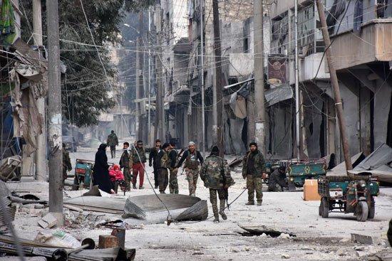 قوات الجيش السورى تتجول فى شرق حلب