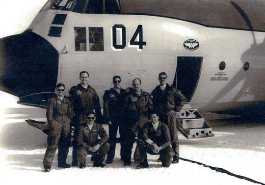 Avión Lockheed LC-130F del escuadrón VXE-6 en la Estación del Polo Sur Amundsen-Scott.