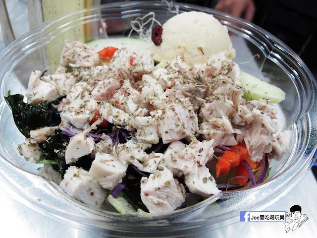 IMG 2811 - 【台中美食】不只是沙拉 ,咖哩 、 沙拉、 輕食專賣店,外食新主意, 均衡營養的沙拉配菜,運動完之後的首選輕食