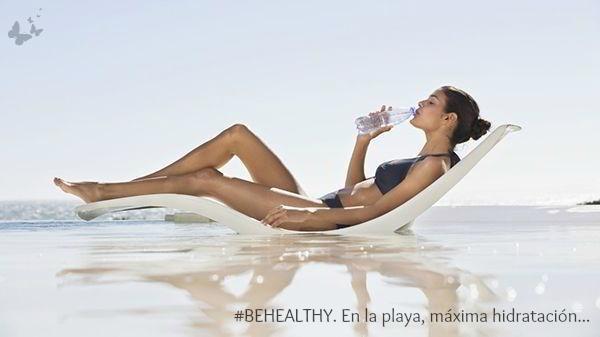 27.07.2017 #BEHEALTHY. En la playa, máxima hidratación...