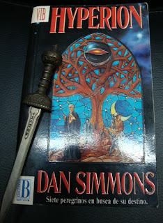 Portada del libro Hyperion, de Dan Simmons