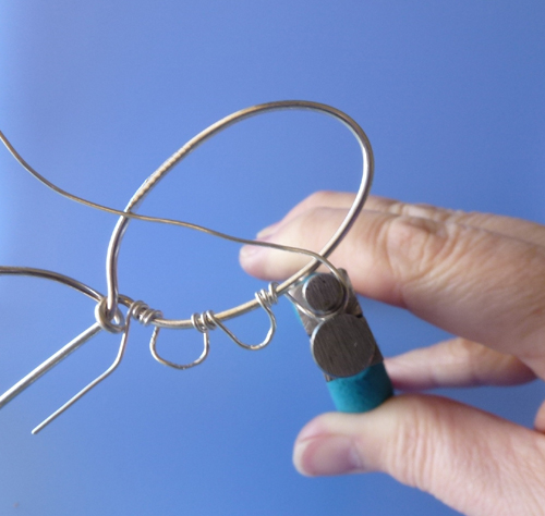 How To Make A Viking Knit Bezel For Cabochon Tutorial The Beading