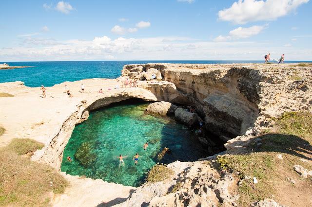 Grotta della poesia a Roca Vecchia