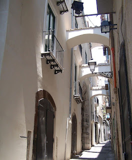 Via Botteghelle, typical of the narrow streets to be found in Salerno's historic old town