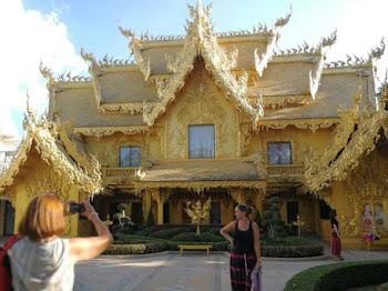 Bangunan Cantik Dan Gah! Rupanya Tandas Awam
