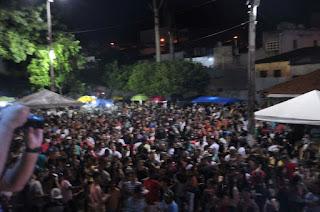 Com sucesso de publico multidão toma conta da praça do Encontro em Guarabira na primeira noite do São Pedro de rua no bairro do Nordeste