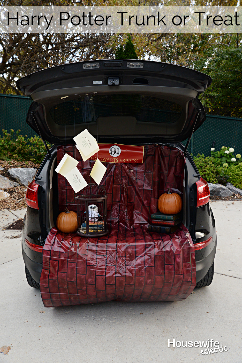 Harry Potter Trunk Or Treat With Free Printable Platform 9 3 4 Sign Housewife Eclectic