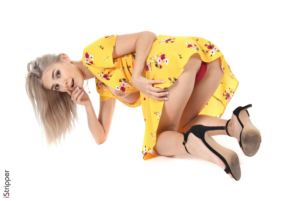1587657390_eva [iStripper] Eva Elfie - Sweet Smell Of Spring