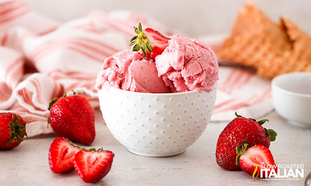 Strawberry Ice Cream (No-Churn, 2-Ingredient)