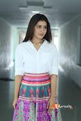 Rashi Khanna Dazziling Pics-thumbnail-1