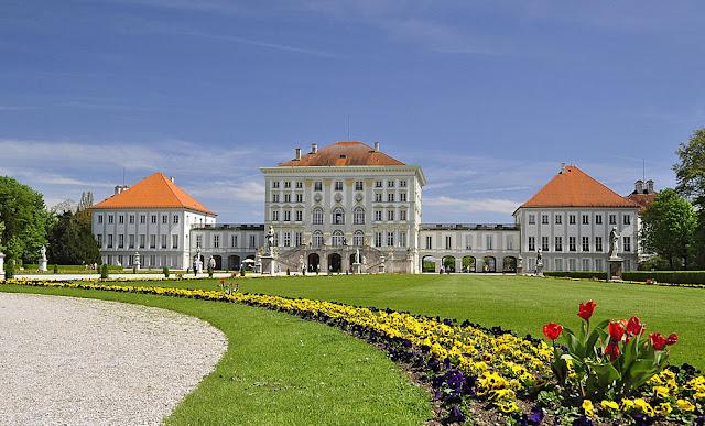 حديقة قصر  نيمفنبورغ