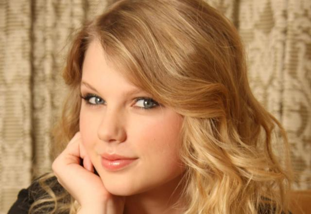 Taylor Swift Artis Muda Hollywood Tercantik dan Terpopuler Saat ini