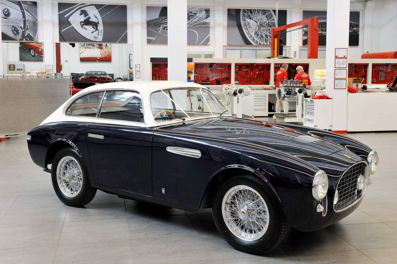 Ferrari 225E 1952 phục hồi được là một kỳ tích, vì nó dường như chỉ còn bộ khung khi cháy