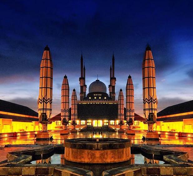 15 Objek Wisata di Semarang Terbaru yang Lagi Hits 2018 Masjid Agung Jawa Tengah