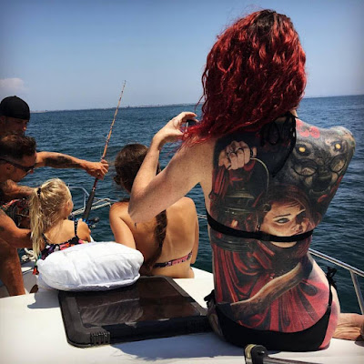 Tatuaje de Caperucita Roja y el Lobo Feroz