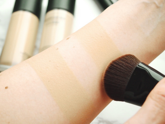 bareMinerals barePro Liquid Foundation swatch